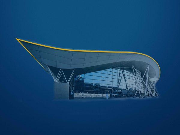 <span>مركز الرياض الدولي للمؤتمرات والمعارض</span><i>→</i>